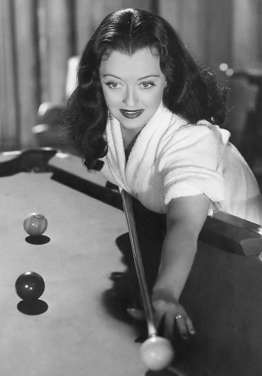 """Bette Davis 〡 Beyond the Forest, 1949 """"and she wears with black fright wig all through the picture...."""""""
