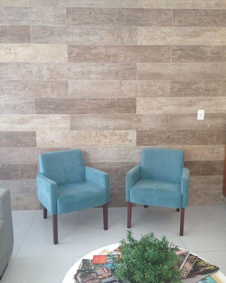 #ceramicaportinari • Fotos e vídeos do Instagram Produto Eco Home HD. Sala, sala de espera, madeira, porcelanato. Salas, Rooms