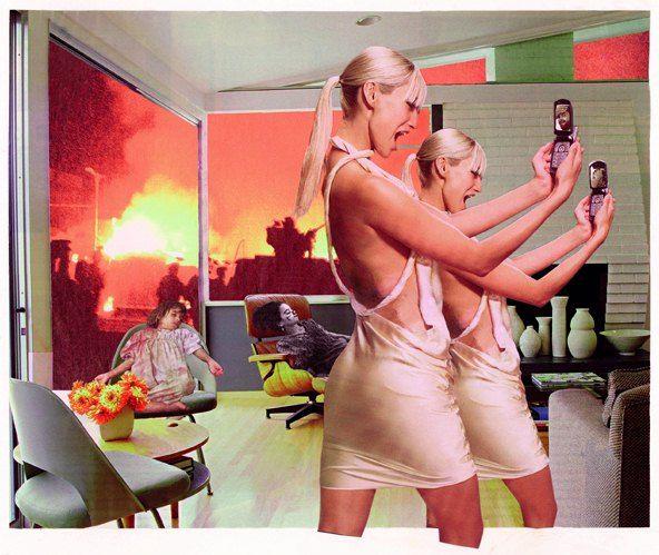 """Martha Rosler. En el año 2004 reinterpretó la serie """"Breaking the war home"""", pero esta vez con referencias a la guerra de Irak, y en lugar de amas de casa utilizó modelos despampanantes de revista, la imagen más cotidiana en la publicidad de hoy."""