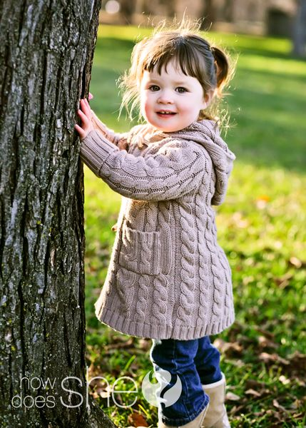 10 tips for taking pics of kids. Cute, but I don't agree with chopping off tops of their heads in snapshots. That's a big photography no-no in my book.
