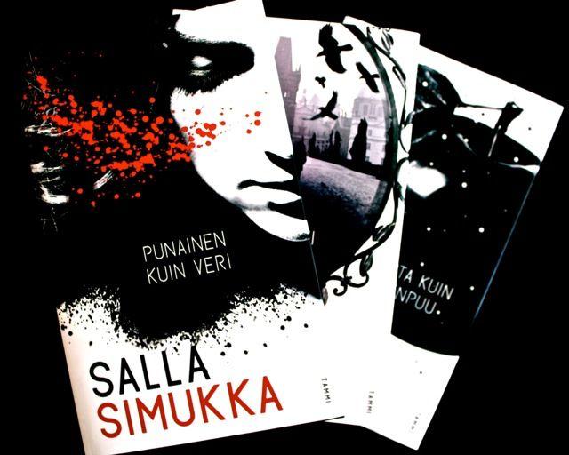 Salla Simukan Lumikki-trilogia on myyty jo 37 maahan. Miksi? Epäilen, että siksi kun se on vähän kuin nuorille aikuisille suunnattu Millenium-trilogia. Siis erittäin tyylikkäästi vaikka jossain mää...