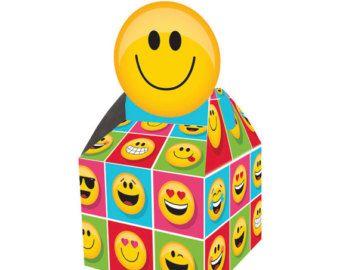 Emoji Party Favors, Favor Boxes, Instagram Birthday, Instagram Party, Facebook Emoji, Emoticon, Treat Box, Smiley, Emoji Faces, Emoji Party