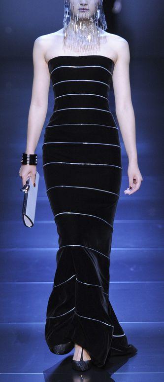 Armani Prive. I repined this from http://phe-nomenal.tumblr.com/post/28071437970/armani-prive-fall-2012-couture