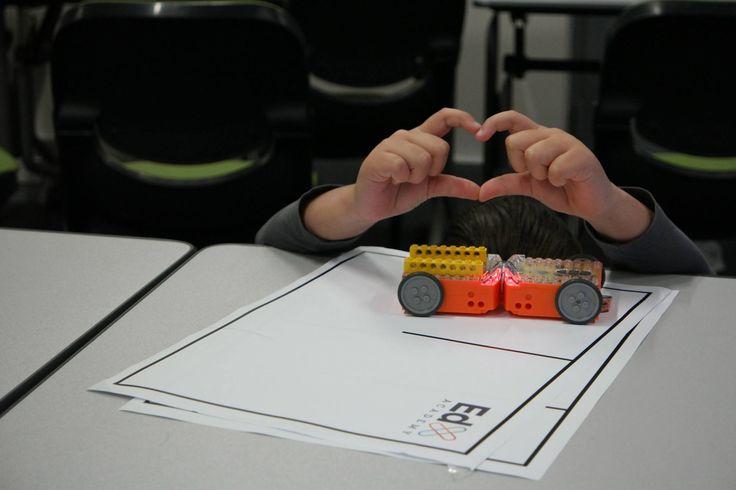 Robot Edisons in Love
