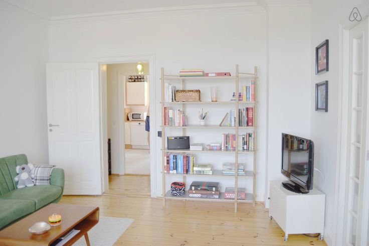 Échale un vistazo a este increíble alojamiento de Airbnb: Light and spacious room with a view - Apartamentos for Rent en Copenhague