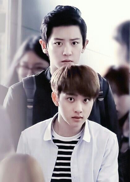 Ok.. Chanyeol is ridiculously tall next to D.O kkkkkk AHAHHA D.O MY LOVE YOU LOOK SO CUTE AND CHANYOEL WHAT A SERIOUS FACE