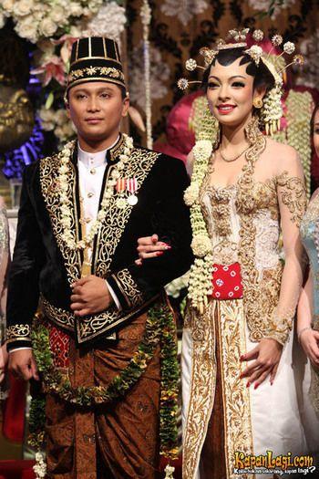 Kebaya pernikahan reisa kartikasari