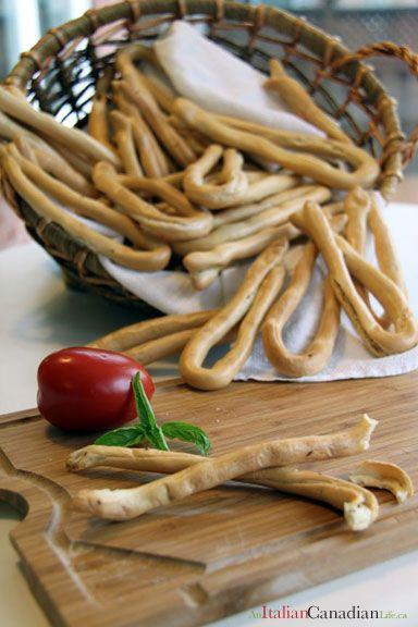 Taralli (Italian Bread Sticks)