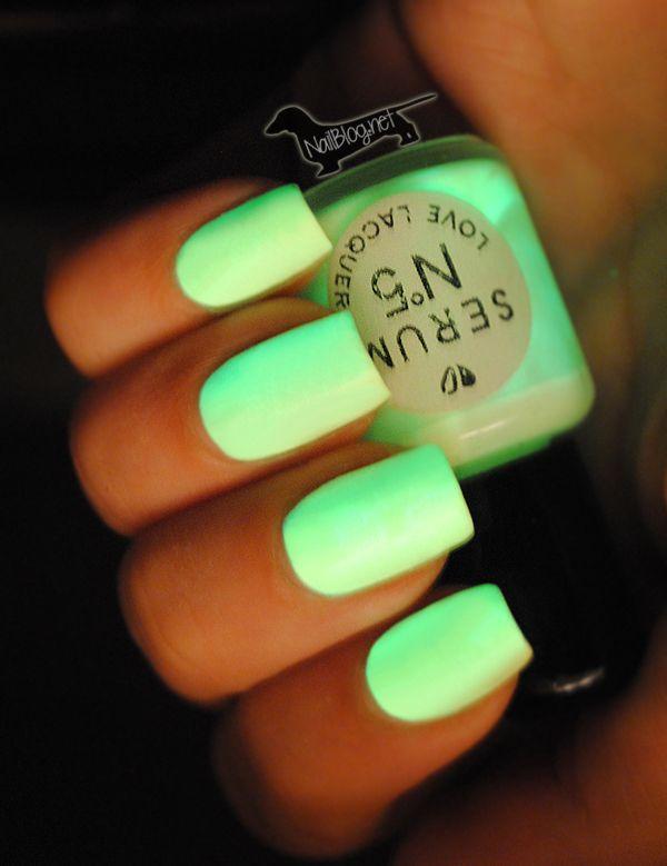iNeon!: Dark Nails, Nails Art, Colors, Nailpolish, Neon Green, Nails Polish, Neon Nails, Glow In The Dark, Green Nails