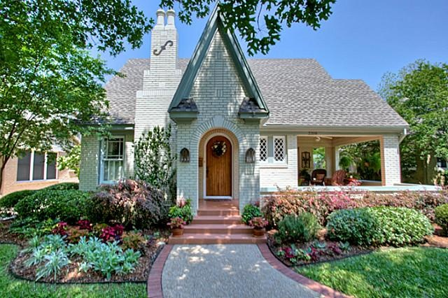 CURB APPEAL – another great example of beautiful design.                                                                                                                                                                                 More