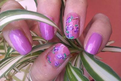 día 6 uñas violetas