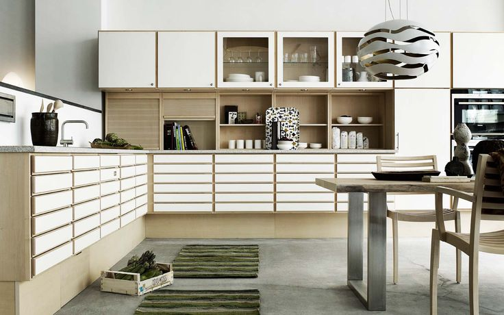 Form 1 // White pigmented maple with surface in polyurethane kitchen by Multiform