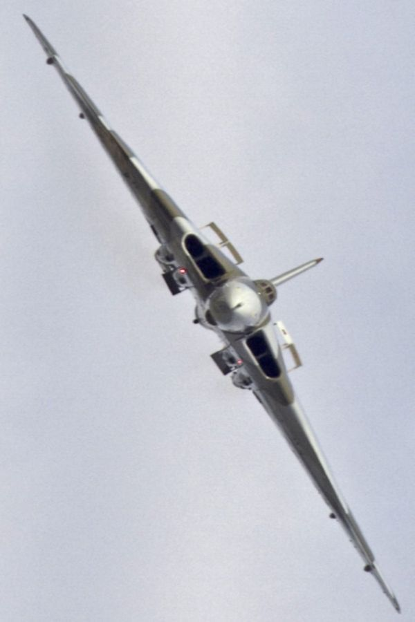 Vulcan Bomber. Saw it up close and personal at RAF Mildenhall's annual air show. Impressive...but the SR-71 was about 100 feet away :).: British Engineering, Military Aircraft, Coolest Planes, Vulcan Bomber, British Planes, Raf Planes, Plane Aeroplane