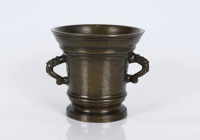 Antieke bronzen vijzel