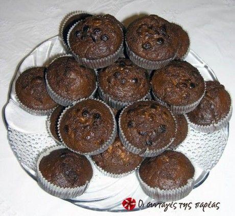 Muffins με κακάο και λευκή σοκολάτα