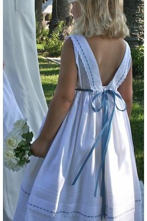 Isabel Garreton.  Love the ribbon/lace detail.: Flowers Girls Dresses, Flowergirl Dress, Ribbons Cotton, Girls Clothing, Flower Girl Dresses, Isabel Garreton, Cotton Girls, Flower Girls, Isabel Garretón