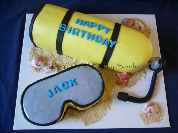 Scuba tank cake!! Ahh I am so making this for my birthday next year! xD