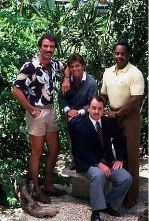 Magnum, P.I. fue una serie norteamericana de televisión que trataba de las aventuras de Thomas Sullivan Magnum, un investigador privado que vivía en Hawái. La serie era una mezcla de comedia, acción y drama.