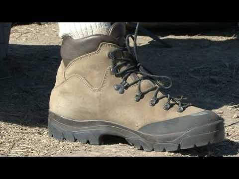 ▶ Backpacking & Camping Tips : Buying Hiking Boots - YouTube