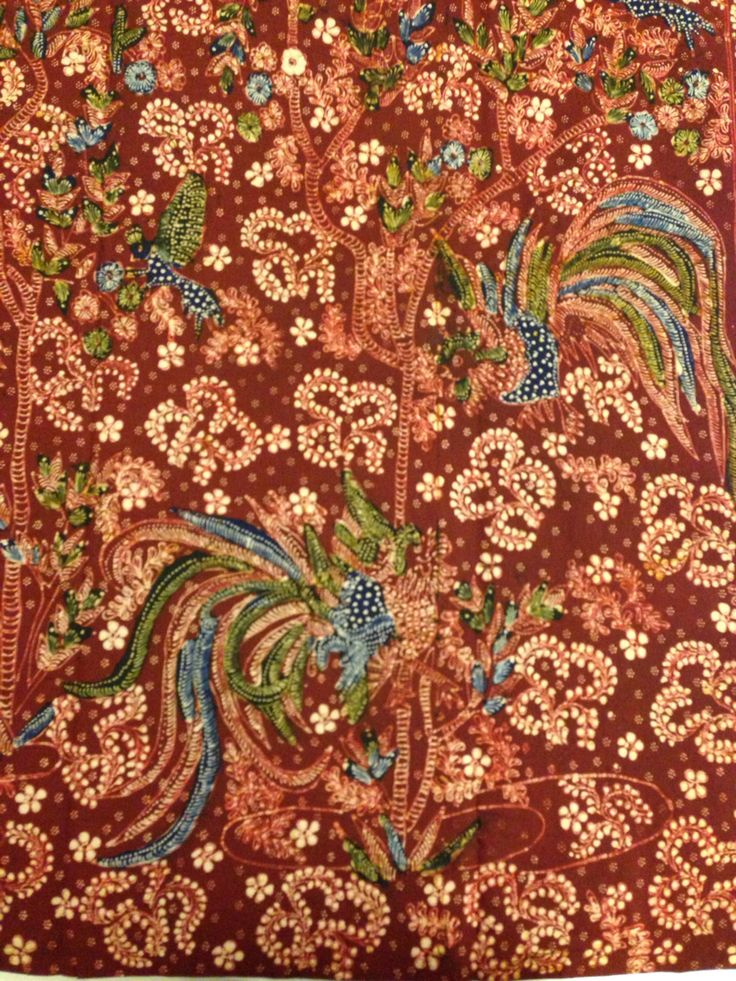 Hand-drawn Batik Lasem by the maestro Sigit Witjaksono. The motive name Sekarjagad Peksi or Bird in the World of Flower. Private collection of Arief Laksono.