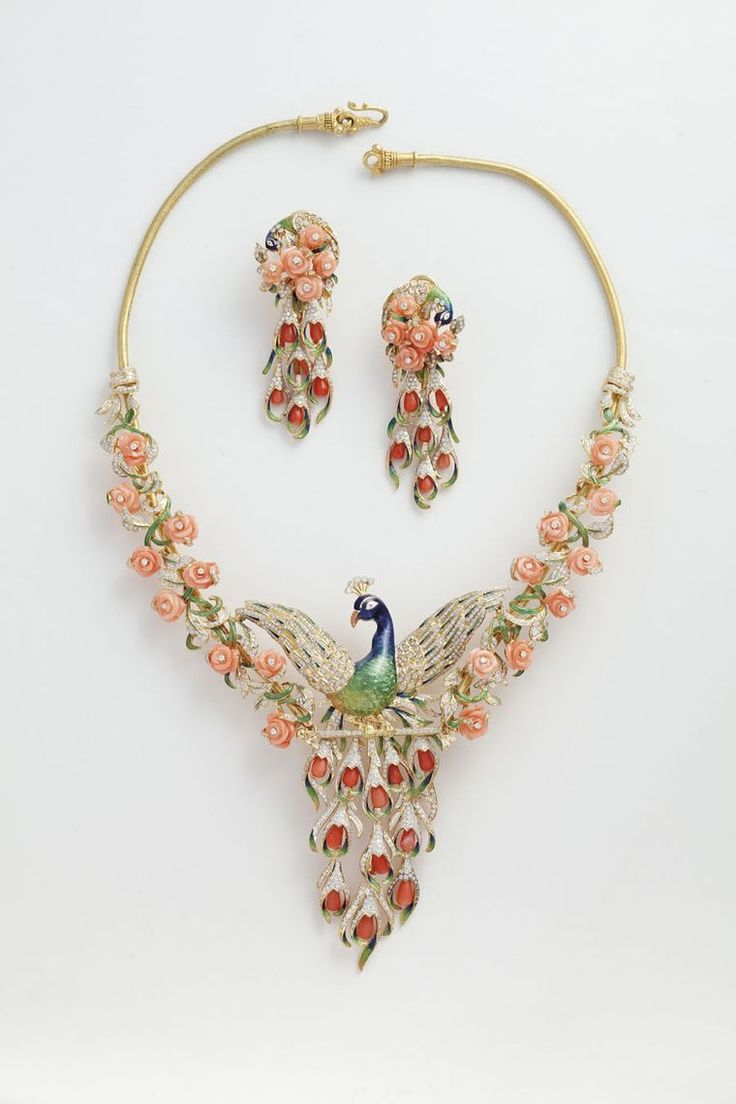 Our selection of the best Indian jewellery from 2013 shows the diversity of creativity, colour and techniques emerging from the land of jewels.