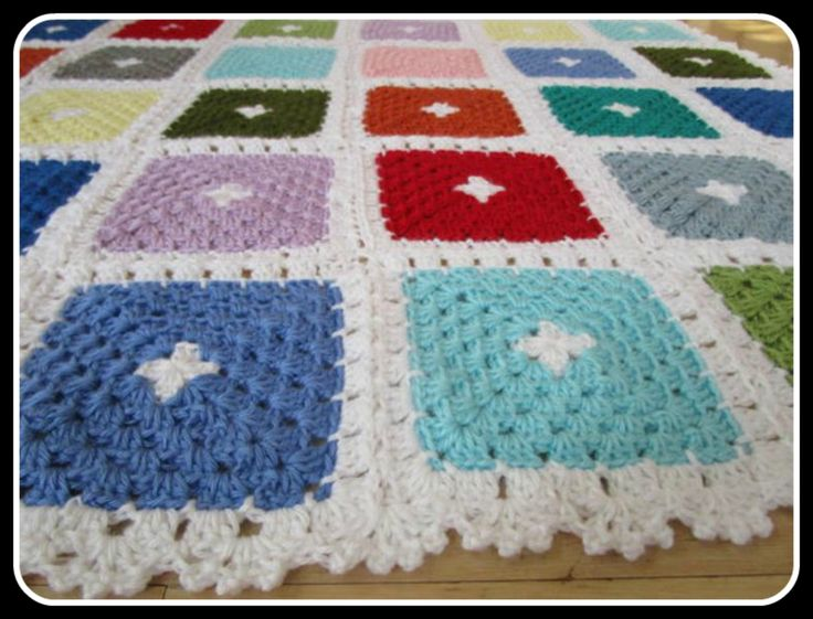 Easy granny square patterns are the best way to learn how to crochet. If you create a square you feel a sense of accomplishment.