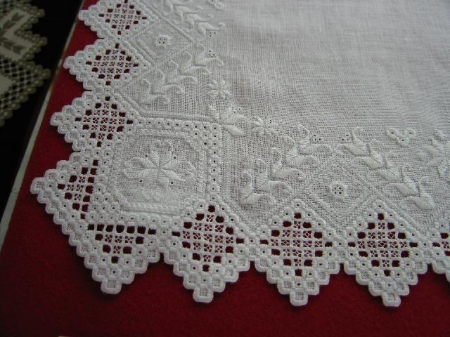 hardanger embroidery | Fonte: http://www.twinportsrosemaling.org/fest-2006.html