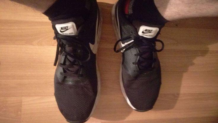 Nike Air Max Tavas Sneaker Schuhe. Schwarz / Weiß Gr. Eur 44.5 . gay
