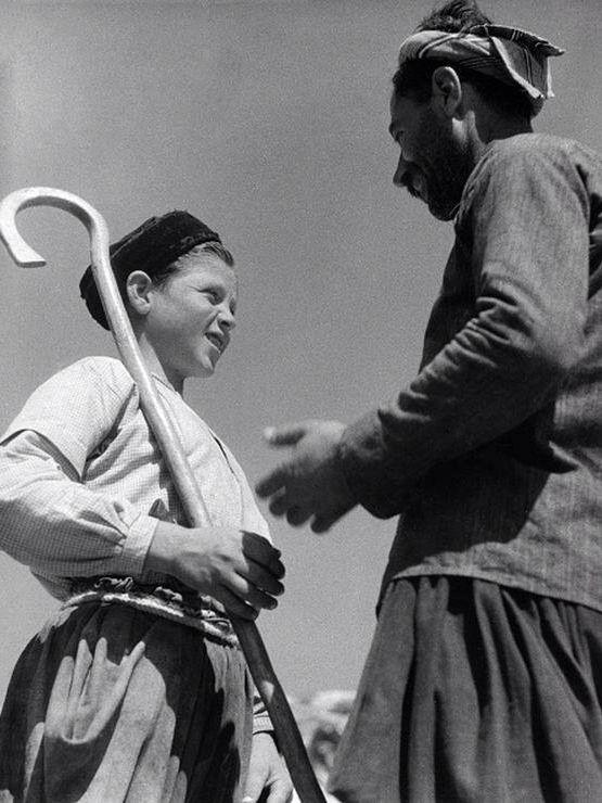 ΣΚΥΡΟΣ 1935 young herder in conversation with his father - Photographer: Max Ehlert- Published by: 'Die Dame' 25/1935Vintage property of ullstein bild