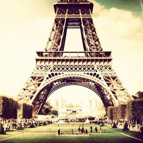 place- Paris