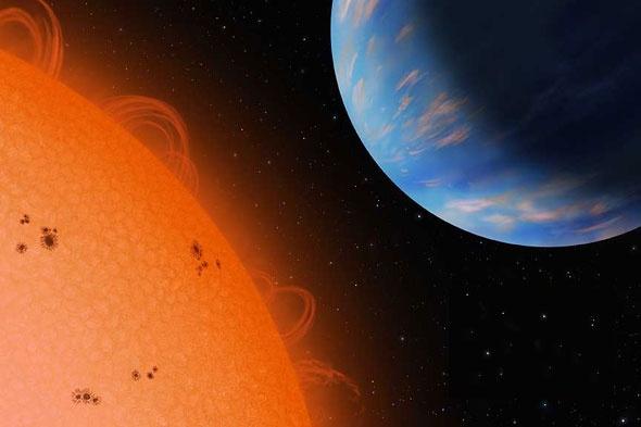 Nombre: Gliese 436 b, o GJ 436 b  Estrella/Constelación: Gliese 436 o GJ 436/Leo  Distancia de la Tierra: 33 años luz  Masa del exoplaneta: 22 Tierras (0.07 veces Júpiter)  Distancia de su estrella anfitriona: .029 UA  Año descubierto: 2004