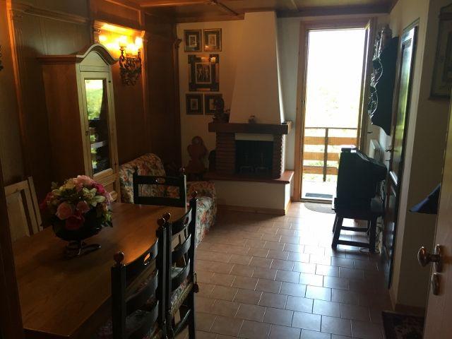 http://www.agenziacioni.com/immobili/mansarda-faidello-parco-dei-daini-tre-vani-mq-60/ Mansarda Faidello Parco dei Daini Tre vani Mq 60,  Mansarda Faidello Parco dei Daini Tre vani Mq 60, Mansarda sviluppata su Due livelli, Appartamento Mansarda ubicato al Piano Secondo di un Piccolo Condominio composto da 16 appartamenti, Il Condominio non è attrezzato con ascensore, Appartamento mansarda tre vani su due livelli completamente arredato in stile, inserito nella Zona a ridosso della Val di…