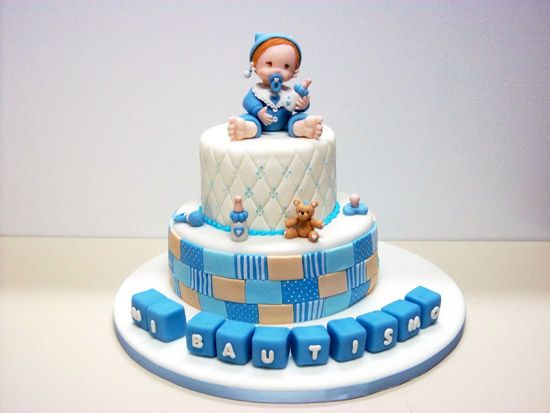 Las 35 mejoras tortas para celebrar un bautismo de ni os for Decoracion pared bebe nino