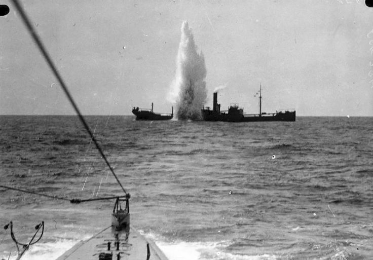 """historicaltimes: """" British cargo ship SS Maplewood under attack by German submarine SM U-35 on April 7, 1917, 47 nautical miles/87 km southwest of Sardinia. The U-35 participated in the entire war,..."""