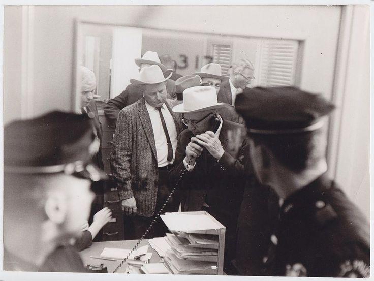 Pres. Kennedy assassination Dallas police RARE 1963 Oswald vintage press photo