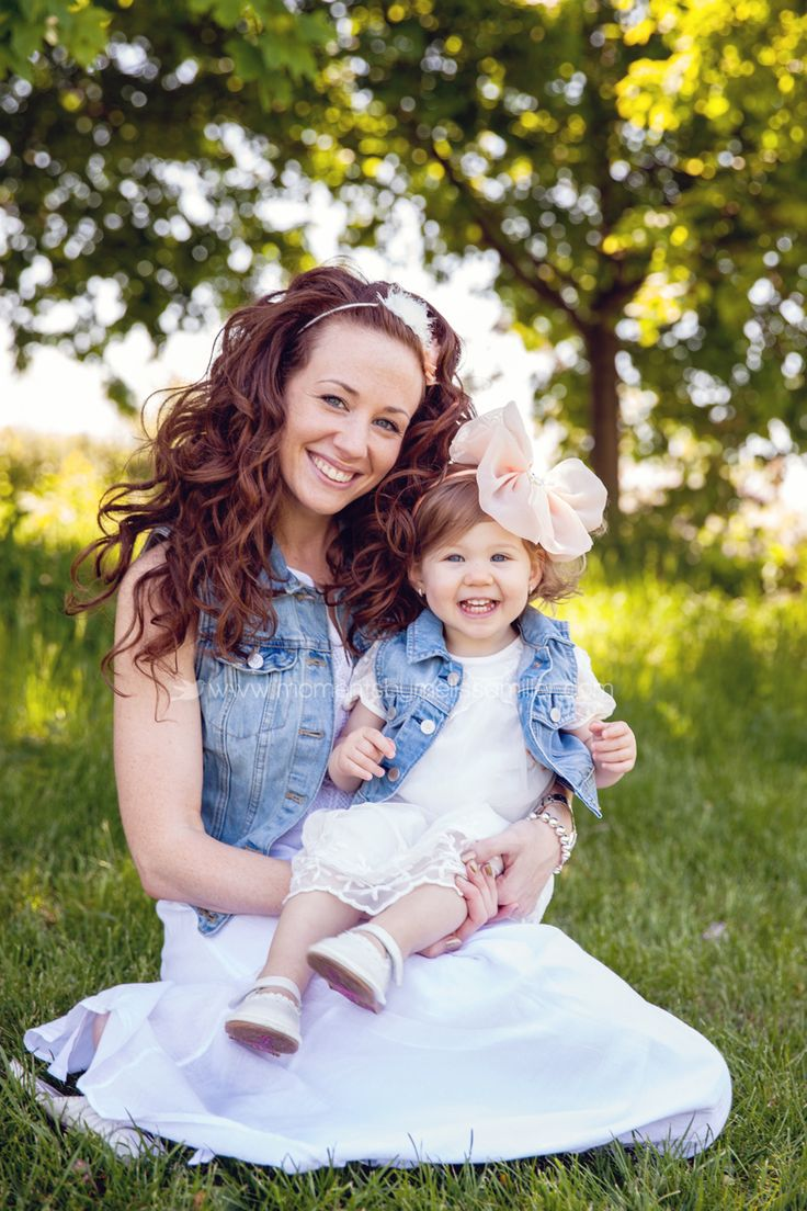 Mommy and Me Mini Session www.momentsbymelissamiller.com Moments by Melissa Miller