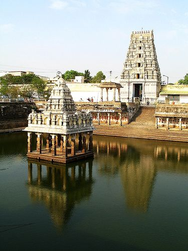Kanchipuram, tamilnadu, india    photography by Visithra - http://v-eyez.blogspot.com    V-Eyez Imagery on Facebook  http://www.facebook.com/veyezimagery