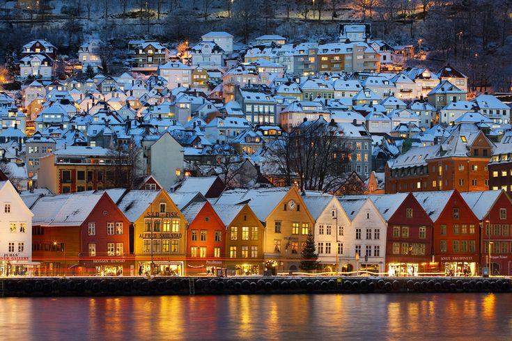 ノルウェーにある絵本の中にあるような小さくカラフルな街『ブリッゲン