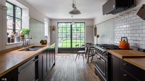 Maison Magnolia - Conveniently located minutes from uber hip London Fields, this elegant two-bedroom Victorian home oozes with character and personality.