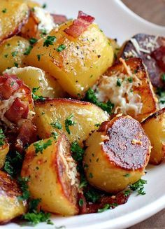 Oven Roasted Potatoes - 1 cup oil, 1/2 teaspoon pepper, 2 teaspoons salt, 2 teaspoons paprika, 1 teaspoon garlic powder, 1 teaspoon onion powder, 2 1/2 pounds red-skinned potatoes, washed and cut in 1-inch chunks (about 6-7 potatoes) - Preheat oven to 400. In large bowl, combine all ingredients. Toss potatoes in mixture, coating evenly. Place on a baking sheet and bake 50-60 minutes, until crisp and golden.