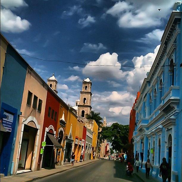 Las #pintorescas calles de #Mérida, la ciudad blanca.