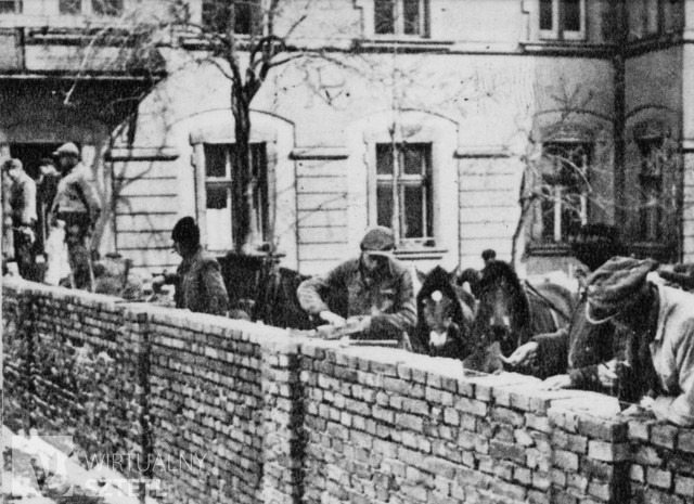 Virtual Shtetl--Constructing the wall in the Krakow Ghetto