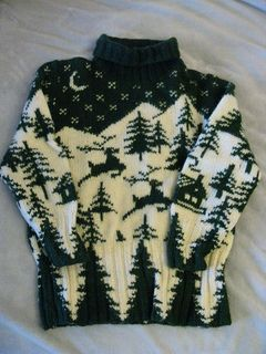 Ravelry: #09 Oversized pullover with set-in sleeves, turtleneck and pine trees, reindeer and house motifs; with separate hood pattern by Susan Olsen