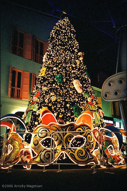 best 25 artificial christmas tree sale ideas on pinterest cheap artificial christmas trees. Black Bedroom Furniture Sets. Home Design Ideas