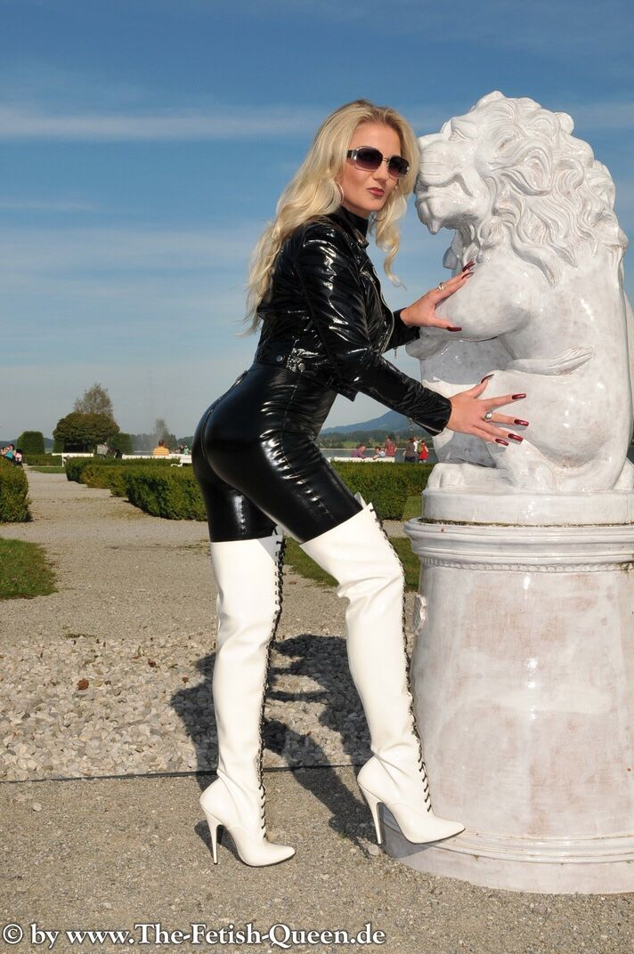Thigh high boots  Glamour high heels boots pictures