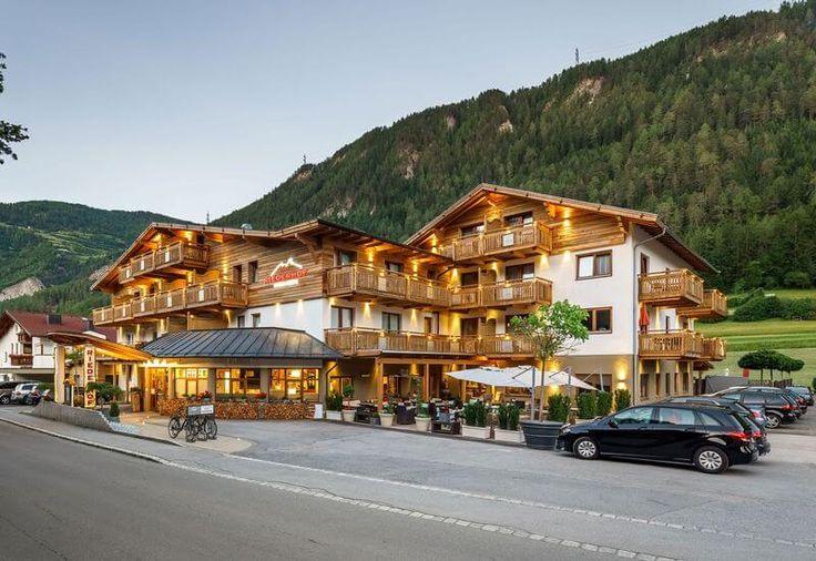 Hotel mit Hund in Tirol - Außen. Hotel Riederhof