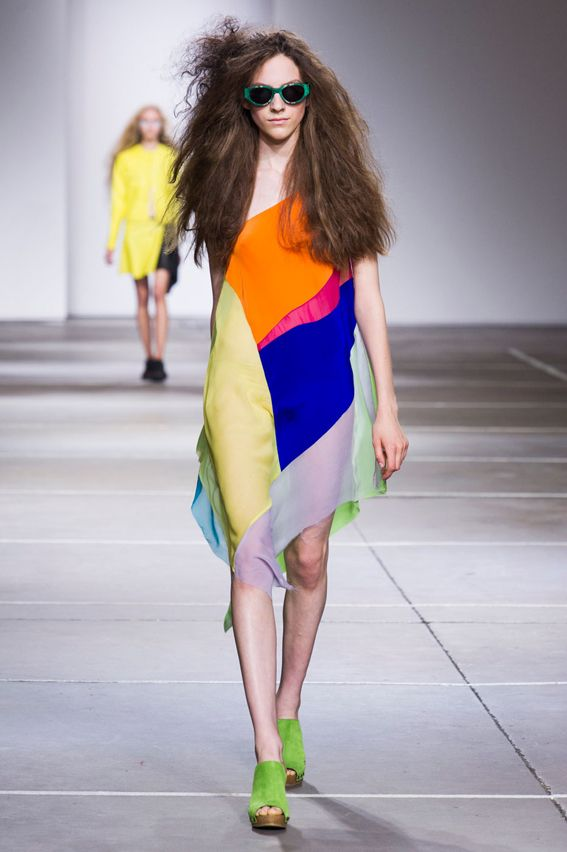 London FW S/S 2015 Marques'Almeida. See all fashion show at: http://www.bookmoda.com/?p=32052  #spring #summer #ss #fashionweek #catwalk #fashionshow #womansfashion #woman #fashion #style #look #collection #london #MarquesAlmeida