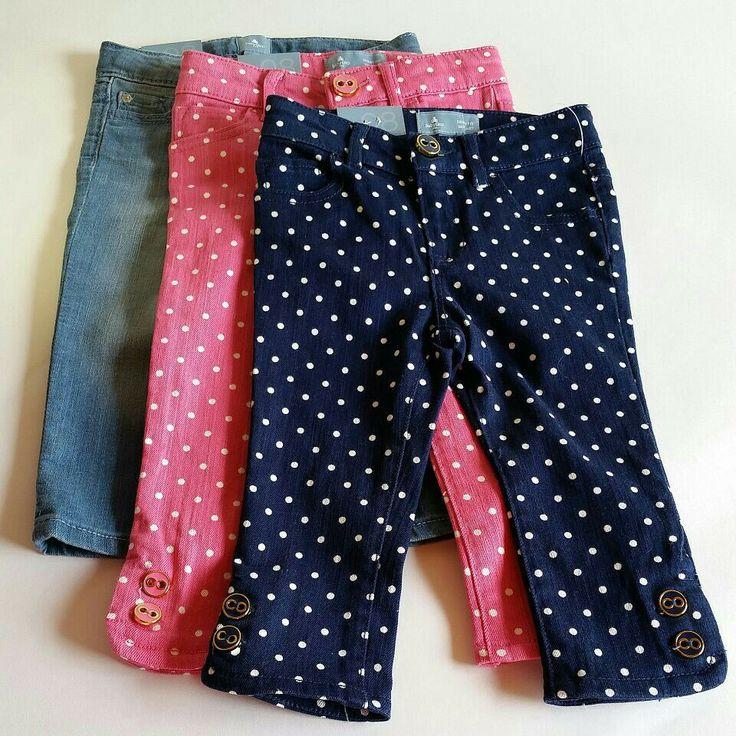#fzonestyle  Ref. Jeans GAP niña. Tallas disponibles: 12-18 meses, 18-24 meses y 2 años. Caracterìsticas: Jeans azul puntos blancos, jeans rosado puntos blancos y blue jeans tradicional. Valor: $66,000 (COP), $66,000 (COP), $50,000 (COP).