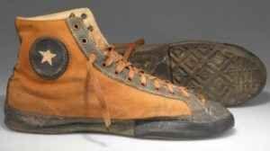 """Storia della moda: le prime sneakers Quando furono inventate le sneakers, ovvero quelle che comunemente chiamiamo """"scarpe da ginnastica""""? Esse risalgono alla prima metà dell'800, quando vennero create in Inghilterra. Per lungo tempo uti #sneakers #moda #scarpe"""