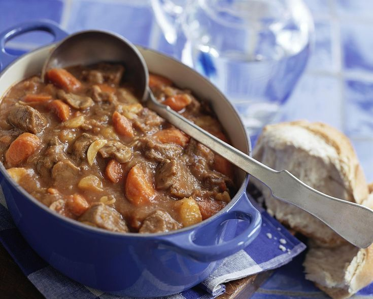 This Classic Old-Fashioned Beef Stew Recipe Will Be a Hit in Your Home